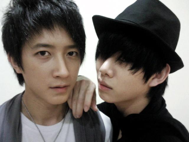 Tus mejores fotos - Página 2 Heechul-hankyung-super-junior